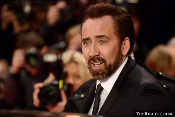 Nicolas Cage: 1 triệu USD cho bộ sưu tập truyện tranh Siêu nhân. Khó có một fan hâm mộ nào của DC Comics lại có điều kiện mua sắm một khối lượng truyện khổng lồ như nam tài tử Nicolas Cage sở hữu