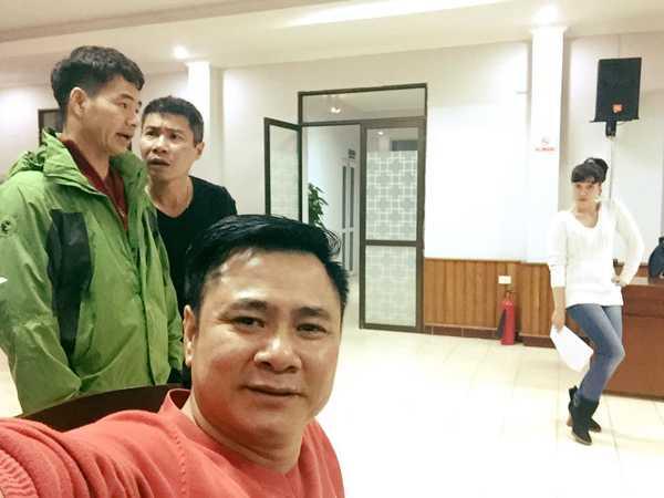 Cũng như mọi năm, nội dung kịch bản của 'Gặp nhau cuối năm 2016' được đạo diễn Đỗ Thanh Hải và các nghệ sĩ hài Xuân Bắc, Công Lý, Tự Long, Vân Dung... giấu kín.