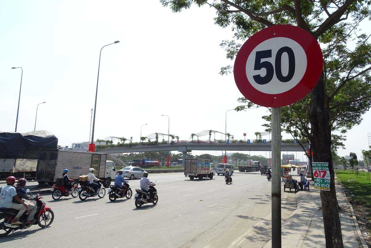 Khu vực Quốc lộ 1, đoạn Tân Kiên- Bình Chánh, các xe lưu thông được phép chạy nhanh hơn, giảm ách tắc giao thông
