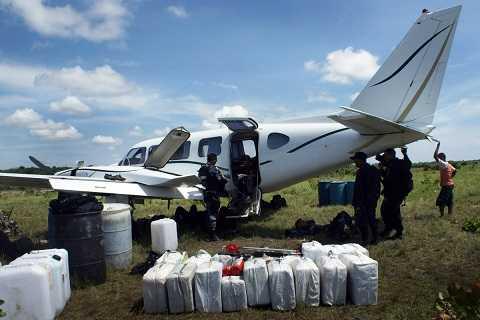 Một chiếc máy bay có thể vận chuyển tới 13 tấn cocaine