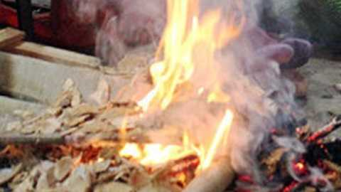 Đốt than sưởi ấm khiến gia đình anh Hà ngạt khí