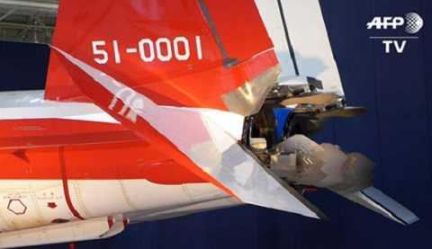 Ba tấm chắn sau động cơ giúp X-2 có khả năng cơ động siêu linh hoạt