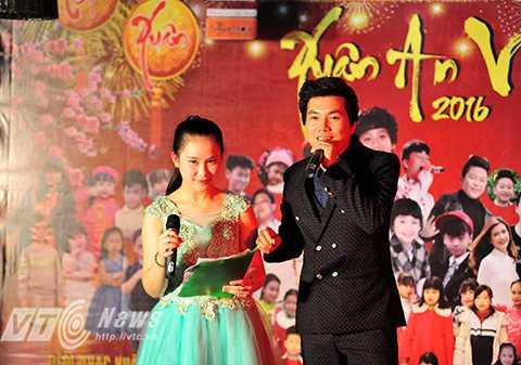 """19 giờ ngày 30/1, chương trình """"Xuân an vui"""" đã được tổ chức tại quán café 9 P.M (85 Lương Định Của, Đống Đa, Hà Nội)."""