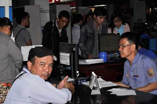 """Trong khi đó, tại ga Sài Gòn cũng không """"căng thẳng"""" như mọi năm. Ảnh Việt Văn"""