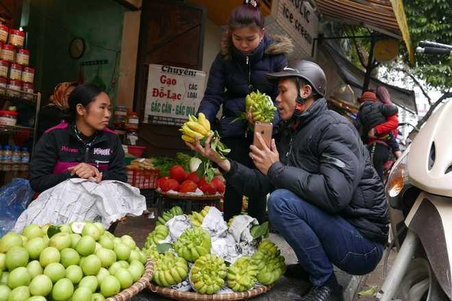 Phật thủ bày bàn thờ đều là hàng đẹp bắt đầu được mua nhiều, giá khoảng 250.000 đồng một quả.