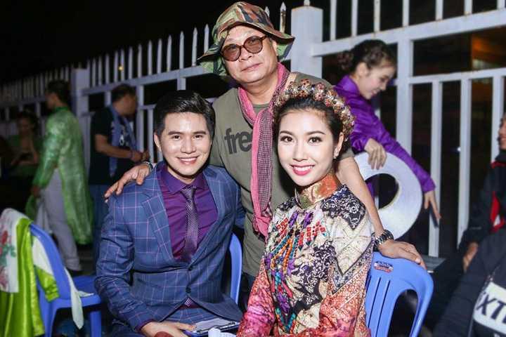 Là 2 anh em thân thiết sau Hội Xuân Nghệ Sỹ 2015, nhưng đây là lần đầu tiên Vũ Mạnh Cường đứng cùng nhau trên một sân khấu trong vai trò MC.