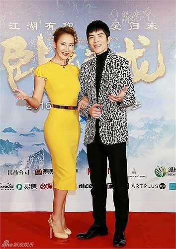 Nữ ca sĩ Coco Lee và Tiêu Kính Đằng đảm nhận vai trò hát nhạc phim.
