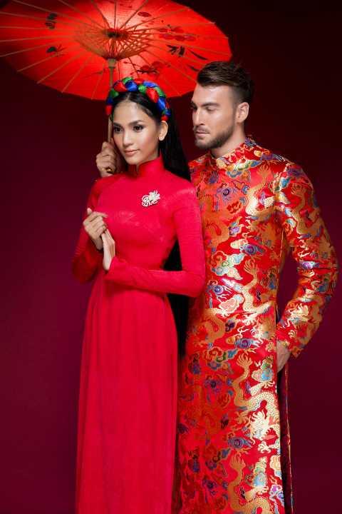 """Á hậu Trương Thị May và """"mỹ nam"""" làng bóng đá Marko Simic (cựu cần thủ Becamex Bình Dương) vừa thực hiện bộ ảnh chào xuân 2016 với áo dài truyền thống đẹp mắt."""