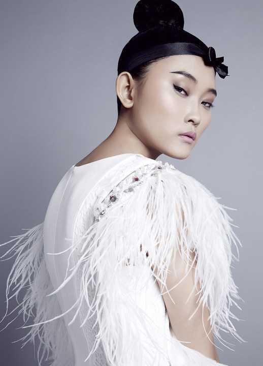 Đặc biệt, anh còn là người định hình phong cách thời trang cho các nghệ sỹ nổi tiếng tại Việt Nam như Hồ Ngọc Hà, Trương Ngọc Ánh, Thanh Hằng, Đàm Vĩnh Hưng, Thu Minh…