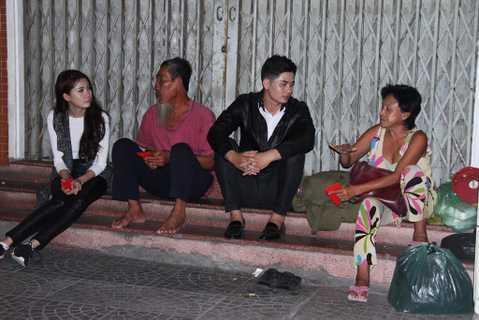 Sau những lần cùng nhau xuất hiện trong các bộ ảnh thời trang và nhiều sự kiện khác nhau, cặp đôi Ray Võ – Phan Thị Mơ thường xuyên tham gia vào những hoạt động xã hội ngoài việc hỗ trợ nhau đi trên con đường nghệ thuật.