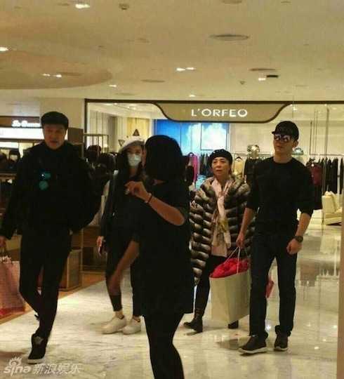 Phạm Băng Băng - Lý thần bị bắt gặp đi mua sắm cùng nhau.