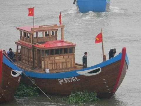 Ngu dan xuat hanh thang tien Hoang Sa - Truong Sa