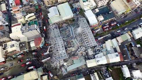 Hình ảnh những tòa nhà bị sập, quan sát từ trên cao