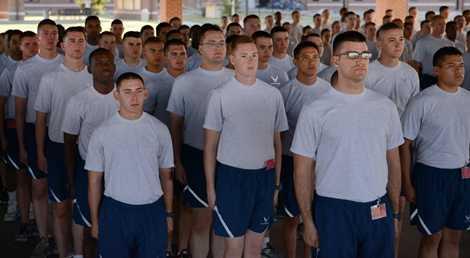 Các học viên tập trung trước khóa huấn luyện