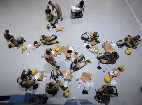 Các học viên được đào tạo cách sắp xếp và sử dụng đồ đạc