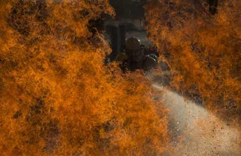 Bài đào tạo dập lửa bằng chất lỏng