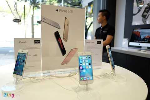iPhone 6S và 6S Plus chính hãng từng có thời gian ế ẩm trước khi các nhà bán lẻ giảm giá hàng triệu đồng.