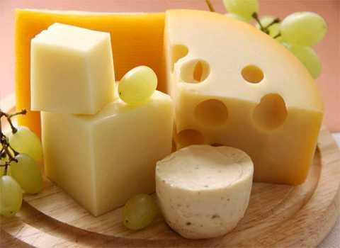 Phô mai cũng là một thực phẩm giúp ngăn chặn cơn say hiệu quả. Ảnh minh họa