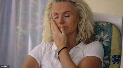 Vợ của ông Simon, bà Debbie được coi là rất mạnh mẽ khi ở bên chồng mình đến phút giây cuối cùng
