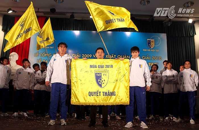 HLV Phan Thanh Hùng đến với Hà Nội T&T ở mùa giải 2010. (Ảnh: Quang Minh)