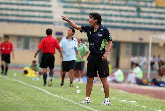 Thậm chí, bầu Hiển còn tạo điều kiện để HLV Phan Thanh Hùng lên dẫn dắt ĐTQG khi VFF đề nghị. (Ảnh: Quang Minh)