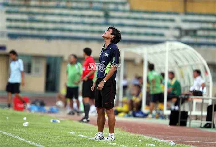 Mối duyên giữa HLV Phan Thanh Hùng chỉ dừng lại đầy bất ngờ sau trận thua 0-3 của Hà Nội T&T ở vòng sơ loại AFC Champions League mới đây. (Ảnh: Quang Minh)