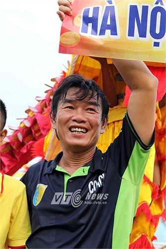 Và đội bóng thủ đô đã giành chức vô địch đúng dịp Thăng Long - Hà Nội tròn 1000 năm. (Ảnh: Quang Minh)