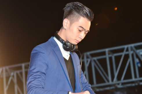 Phần nhạc EDM sôi động được chơi bởi DJ SlimV.