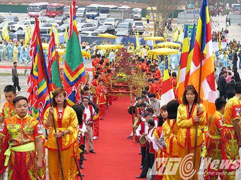 Sáng 17/2, lễ khai hội xuân Yên Tử được tổ chức ngắn gọn với nhiều nội dung phong phú, ý nghĩa