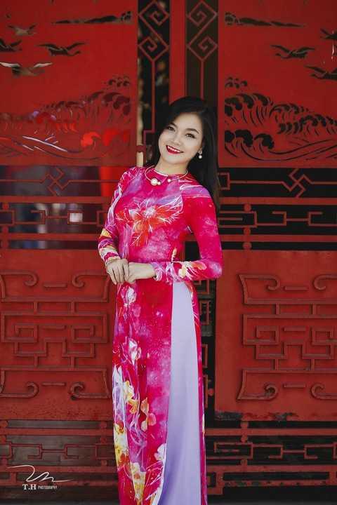 Ngoài vai trò ca sĩ, Thanh Ngọc còn đắt show với vai trò MC đầy duyên dáng, có khiếu hài hước.