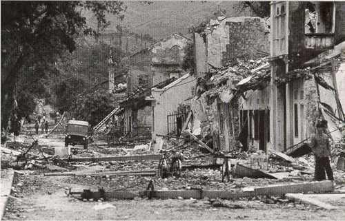 Hình ảnh đổ nát ở Lạng Sơn