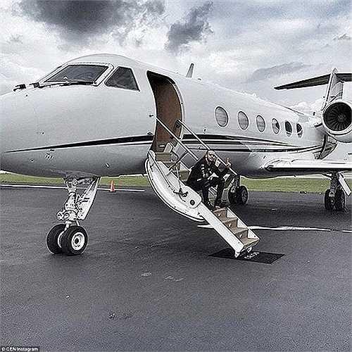 Trào lưu khoe của ở giới trẻ Nga mở rộng sang cả những chiếc máy bay cá nhân đắt tiền