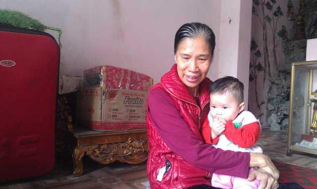 """Theo bà Lê Thị Lãng, có những thủ tục thuộc về """"cõi âm"""" mà các gia đình khi sang cát cho người thân cần biết."""