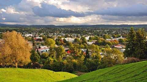 Thị trấn Tokoara có quá ít người sinh sống và tách biệt khỏi nhiều trục giao thông quan trọng