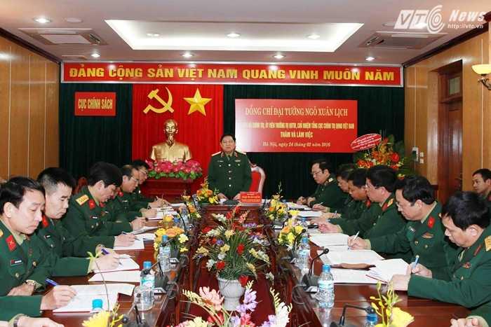 Đại tướng Ngô Xuân Lịch phát biểu tại buổi đến thăm Cục Chính sách - Ảnh: Hồng Pha