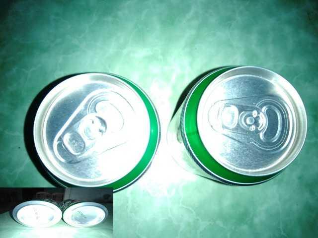Những lon bia bị phát hiện thiếu nước bia trong lon vẫn còn nguyên nắp, hạn sử dụng.