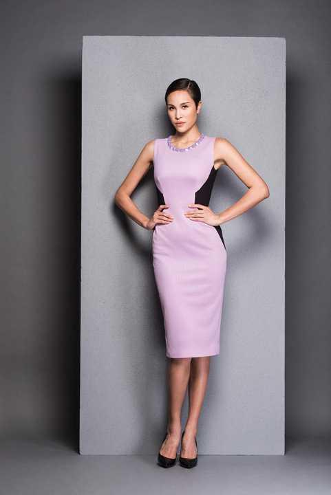 """Các thiết kế mới nhất đều hướng đến phong cách thanh lịch vốn có của """"ngọc nữ"""" màn ảnh Việt."""