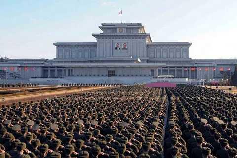 Kim Jong-un trước nguy cơ chống đối từ quân đội