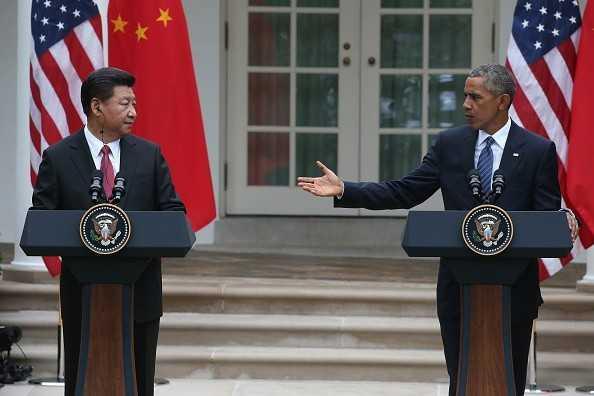 Chủ tịch Trung Quốc Tập Cận Bình (trái) và Tổng thống Mỹ Barack Obama trong cuộc họp báo sau hội đàm tại Nhà Trắng tháng 9/2015