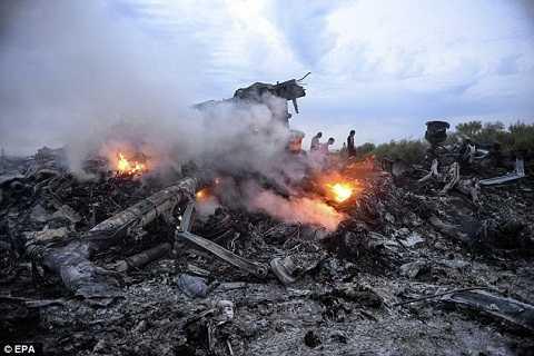 MH17 bị rơi ở miền Đông Ukraine