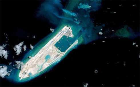 Trung Quốc xây dựng đường băng dài tới 3.000 m trên Đá Chữ Thập