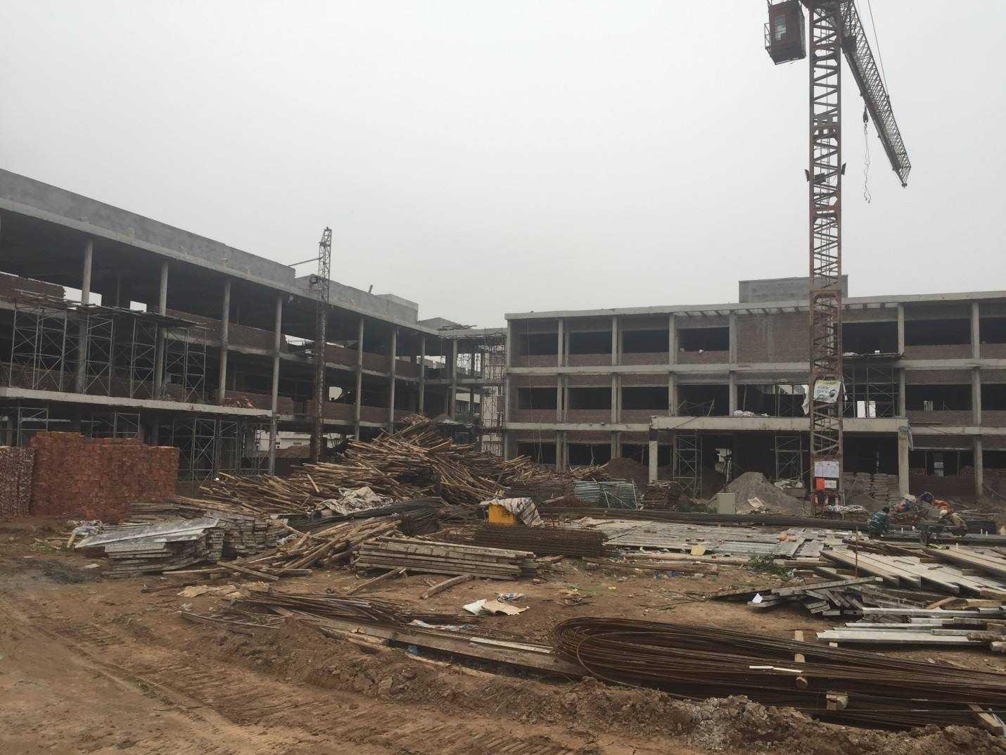 Chủ đầu tư đang khẩn trương đẩy nhanh tiến độ đầu tư xây dựng để hoàn thành Trường Tiểu học An Hưng vào đầu quý II/2016, kịp bàn giao cho địa phương tuyển sinh năm học 2016 - 2017.