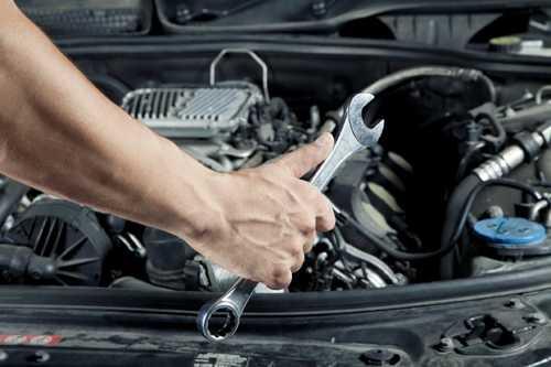 Để hạn chế hỏng hóc trên xe có thể dẫn tới mất lái, bạn nên bảo dưỡng định kỳ hệ thống lái và các chi tiết liên quan