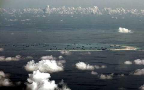 Hình ảnh một bãi đá bị Trung Quốc cải tạo phi pháp thành đảo nhân tạo ở Biển Đông