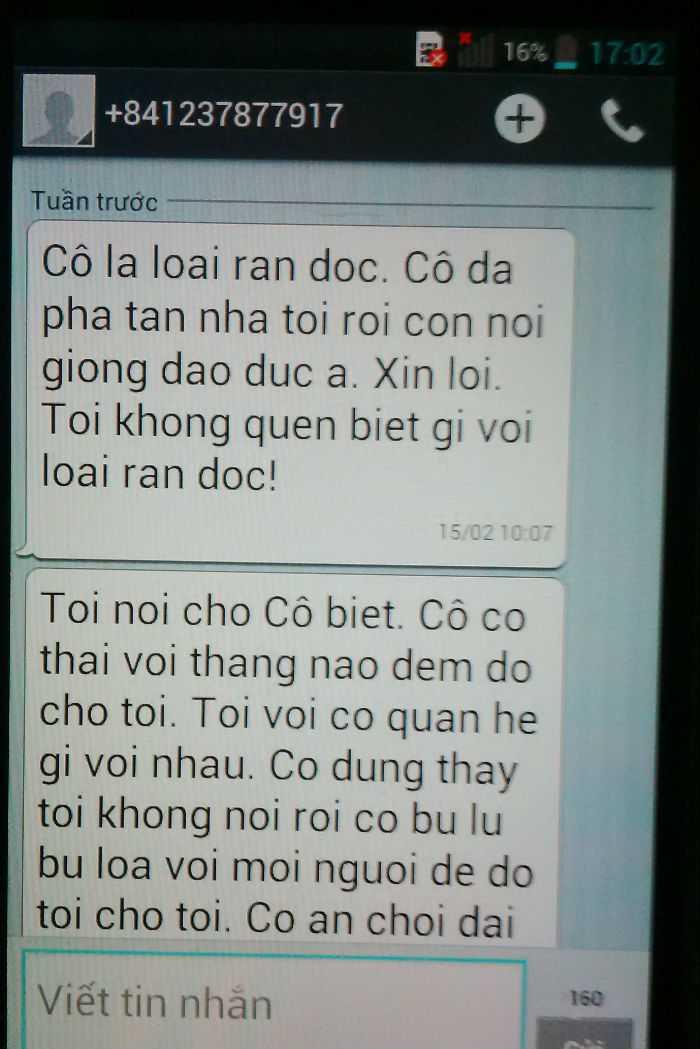 Một trong nhiều tin nhắn mà chị D cho là do ông Hùng gửi đến máy của chị này. Ảnh An Sơn.