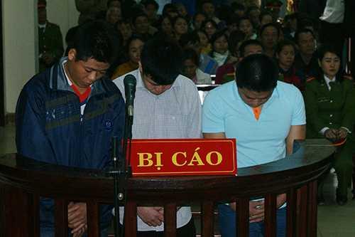 Các bị cáo tại phiên tòa. Ảnh: Quang Hà