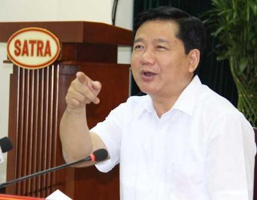 Bí thư Đinh La Thăng hỏi một PV nữ có biết thương hiệu gạo của SATRA không để kiểm tra thương hiệu gạo rất nổi tiếng của Tổng công ty này