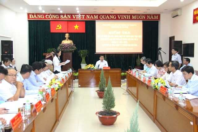 Bí thư Đinh La Thăng làm việc với Ban lãnh đạo SATRA. Ảnh: Phan Tư