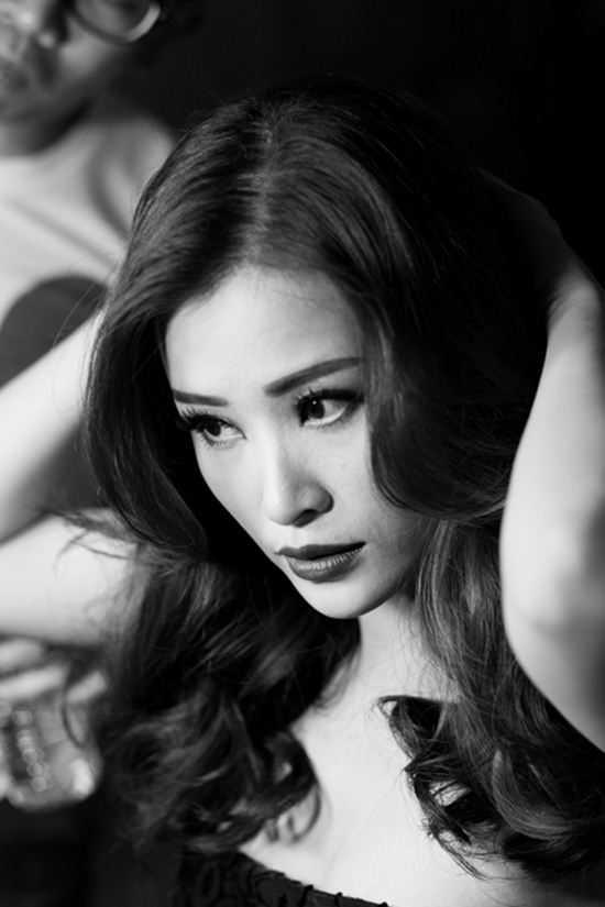 Hà Hồ thất thế ở showbiz Việt, Tóc Tiên hay Phạm Hương sẽ soán ngôi?