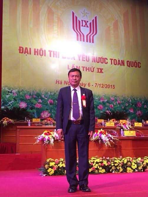 Ông Phạm Văn Hùng (Kham Hung Xay Cha lơn) tại  Đại hội chiến sỹ thi đua toàn quốc lần thứ IX